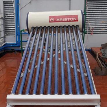 Giá bình nước nóng năng lượng mặt trời Ariston 150L